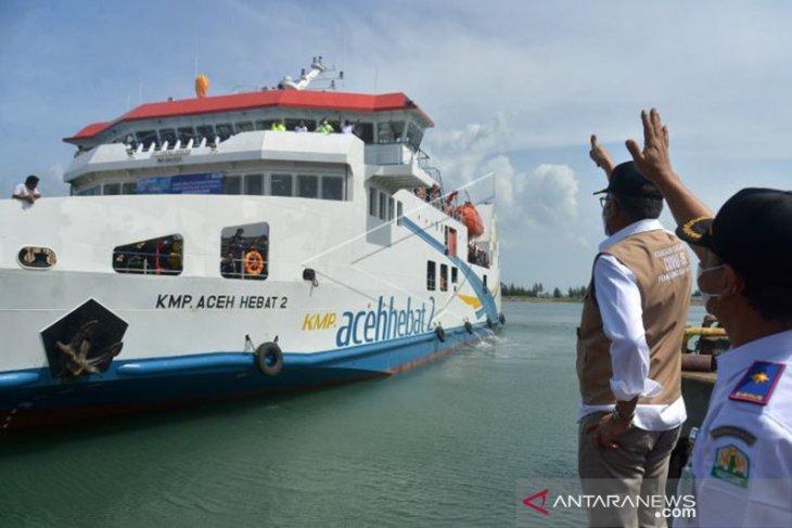 KMP Aceh Hebat membuka keterisolasian pulau terluar