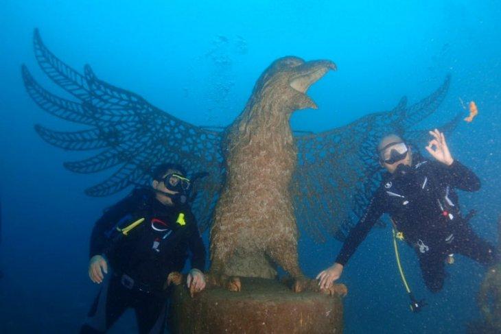 Kebun karang raksasa jadi spot wisata selam baru