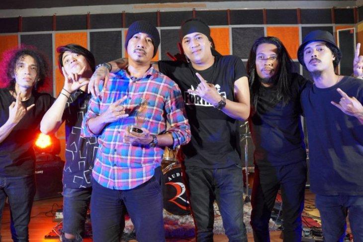 Satu Garis asal Ambon siapkan video musik Twenty Seven
