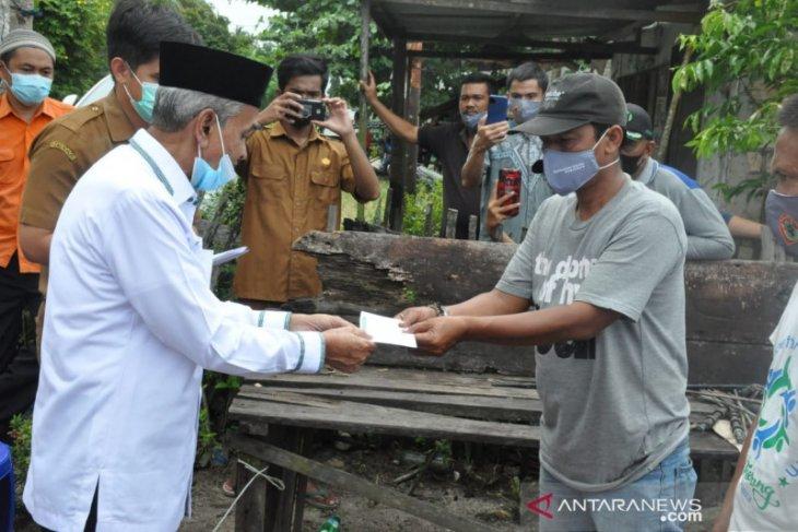 Bupati serahkan bantuan korban kebakaran di Pematang Panjang