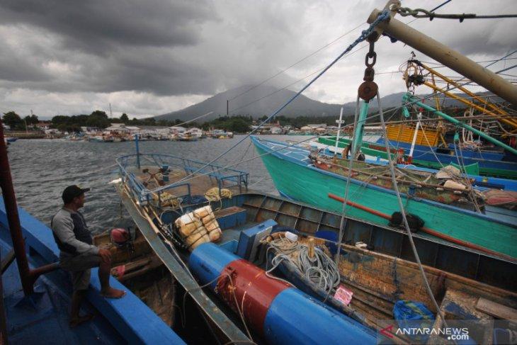 Pengamat ingatkan aplikasi pencari ikan harus tersebar luas di nelayan kecil