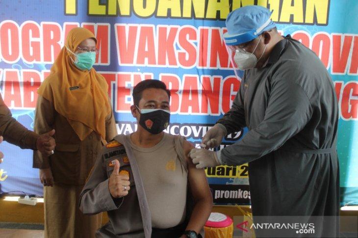 Polres Bangka Tengah kampanyekan vaksin sinovac aman