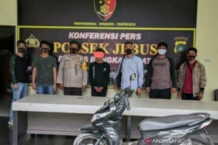 Polisi Bangka Barat ringkus pelaku penggelapan sepeda motor