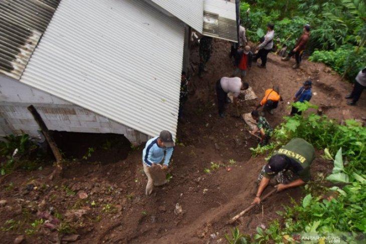 BMKG ingatkan potensi banjir di 25 kabupaten/kota
