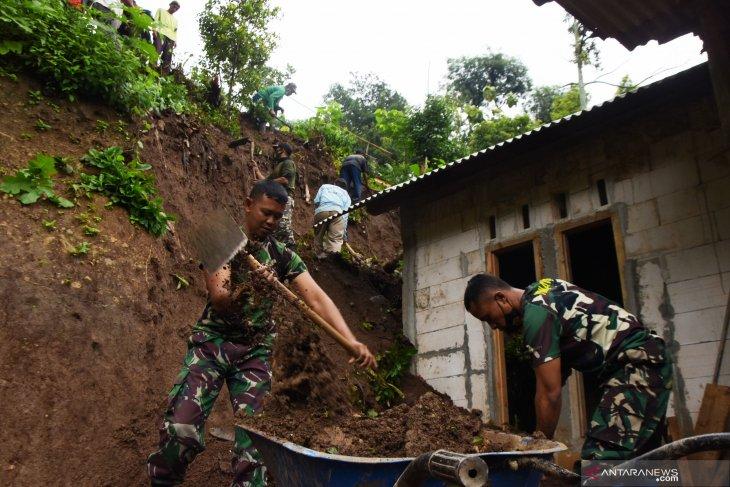 Bencana Tanah Longsor di Madiun