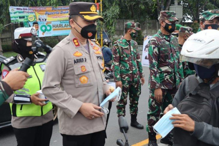 Polisi Gresik bongkar peredaran sabu-sabu dibungkus kertas permen