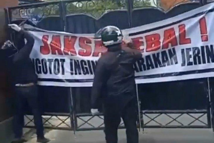 Kejati Bali lebih waspada setelah didatangi massa tolak kasasi Jerinx