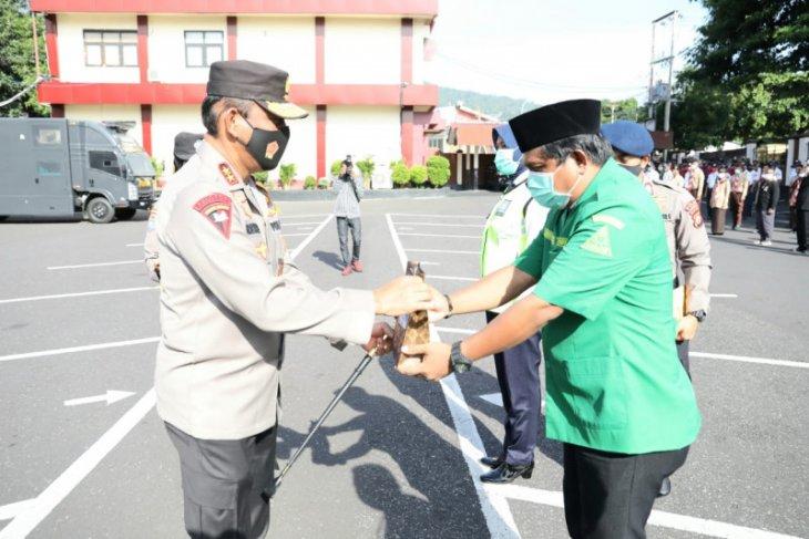 Polda bagikan 10 ribu masker ke komunitas di Malut