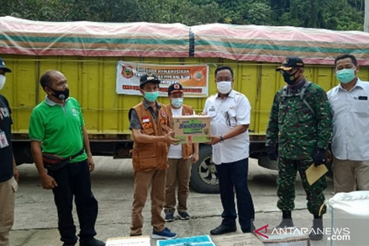 Wabup Gorontalo serahkan bantuan korban gempa ke Pemprov Sulbar