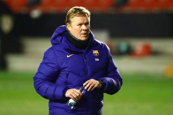 Ronald  Koeman dilarang dampingi Barca untuk dua pertandingan