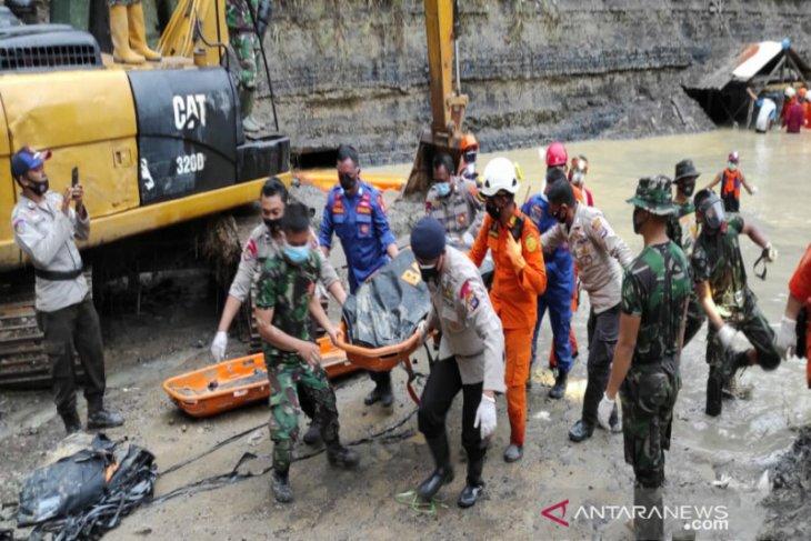 Polda tetapkan tiga tersangka longsor tambang di Tanah Bumbu