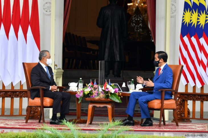 Jokowi persilakan PM Muhyiddin meneleponnya kapan saja
