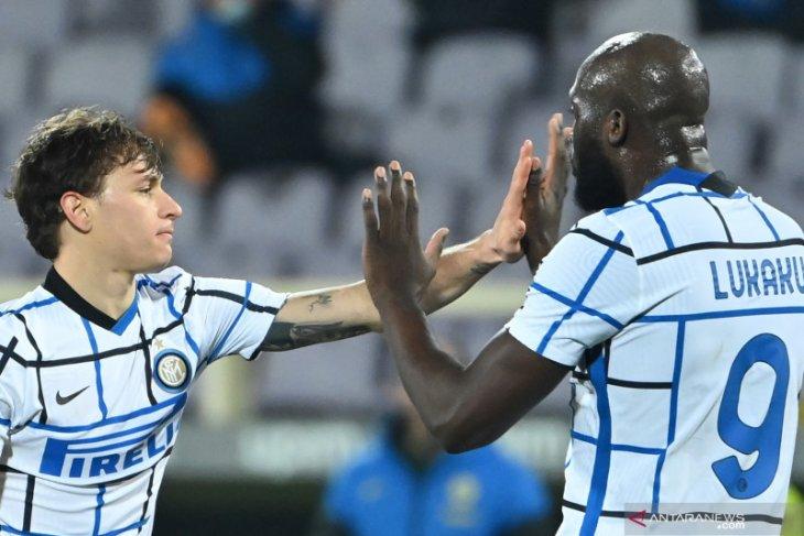 Inter Milan rebut pucuk klasemen setelah taklukkan Fiorentina 2-0