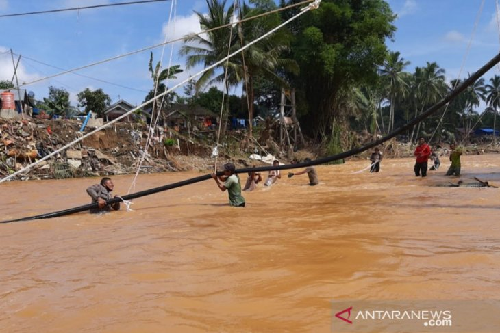 HST Police and PT Sinarmas build clean water network in Waki