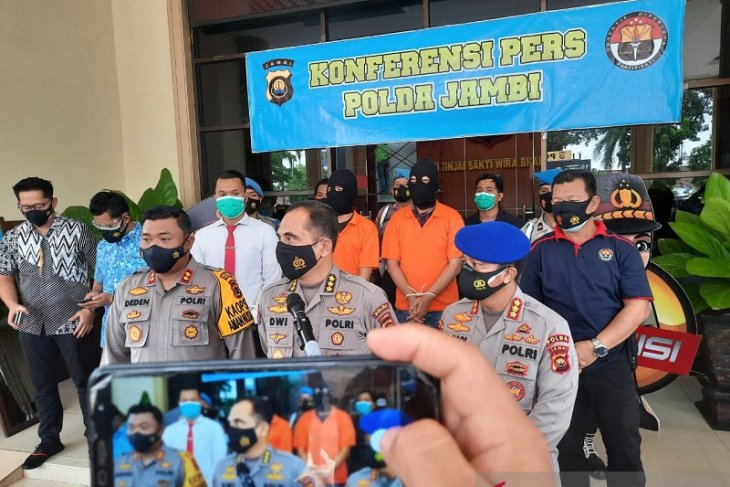 Tak hanya cegat kurir penyelundup lobster, polisi Tanjabtim ringkus cukongnya di luar Jambi