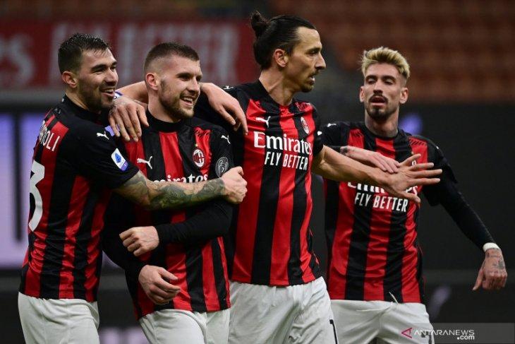 Milan merebut kembali pucuk klasemen usai pecundangi Crotone