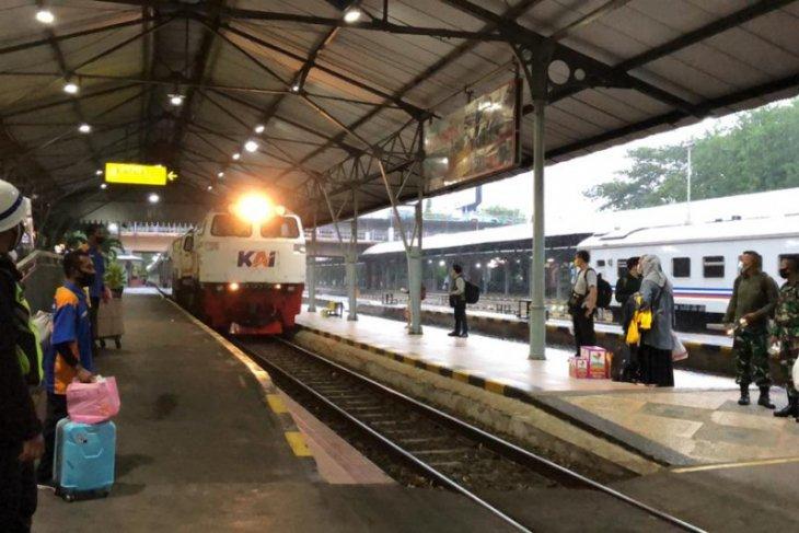 Daop Surabaya segera operasikan KA Komuter relasi Sidoarjo-Gresik