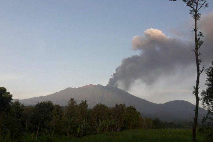 PPGA: Abu vulkanik akibat letusan Raung capai 2.000 meter