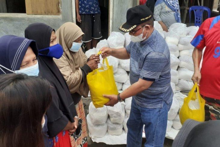 150 warga Hulontalangi terima bantuan pangan dari Pemprov Gorontalo