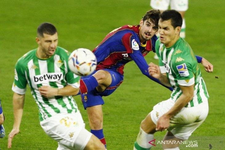 Liga Spanyol, gol perdana Trincao bawa Barcelona tundukkan Betis