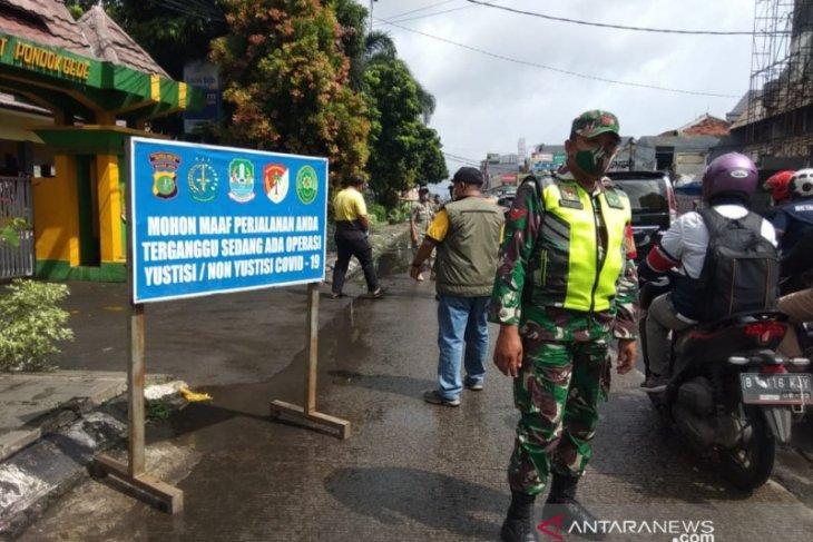 46 pelanggar prokes terjaring operasi di Pondokgede Bekasi