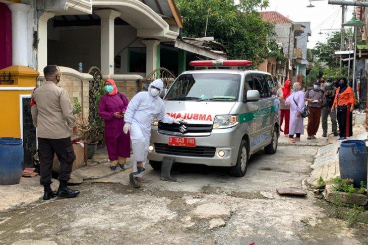 Enam OTG korban banjir Bekasi dievakuasi ke hotel isolasi (video)