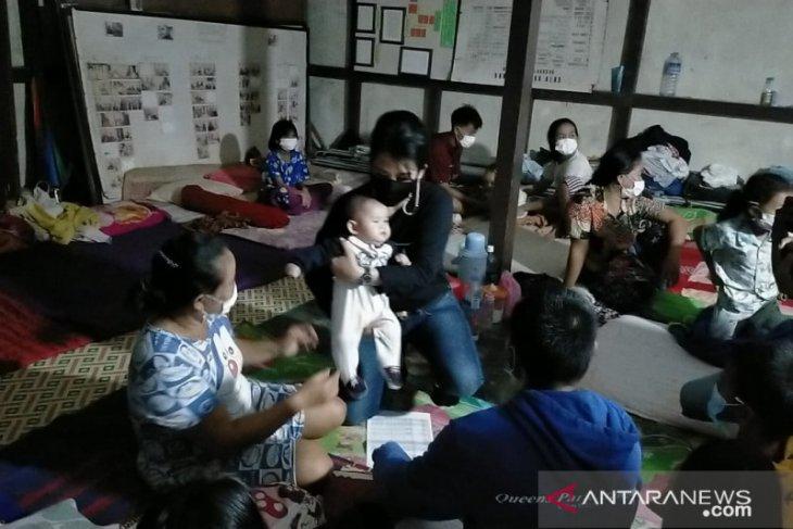 Tjhai Chui Mie berikan bantuan untuk korban banjir di Singkawang