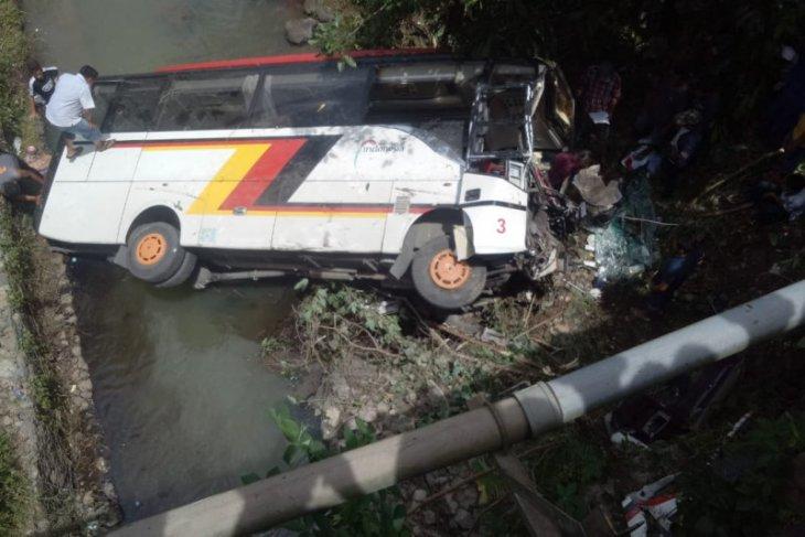 Dua Kepala Dinas Pemkab Agam meninggal dalam kecelakaan