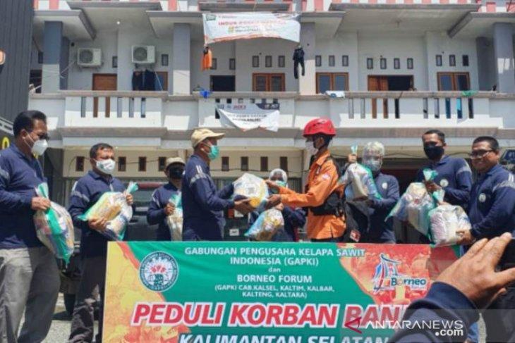 GAPKI dan Borneo Forum salurkan bantuan peduli korban banjir di HST