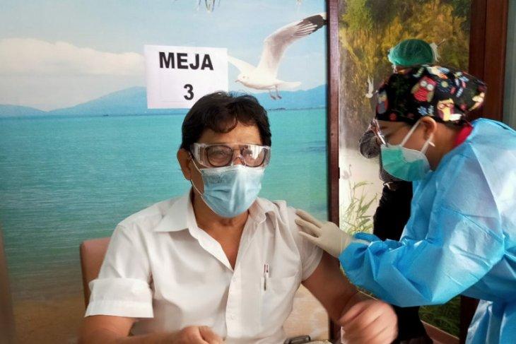 Bali sasar vaksinasi pada 395 nakes usia 60 tahun lebih