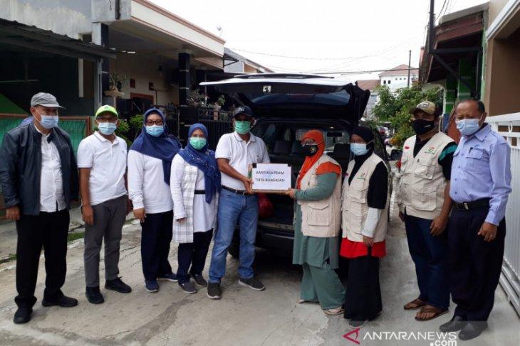 PDAM Tirta Bhagasasi Bekasi bantu korban banjir Babelan dan Muaragembong