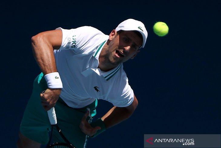 Australian Open: Djokovic habiskan 3,5 jam untuk melewati babak kedua