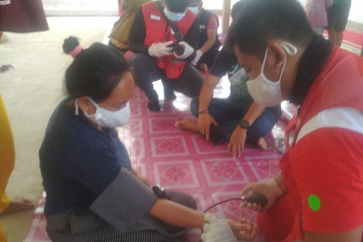 PMI gelar pengobatan gratis dan pemberian vitamin di pengungsian