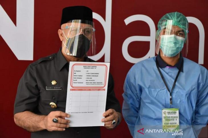Mulai vaksinasi, Bupati Shabela: Jangan takut dan jangan percaya hoaks