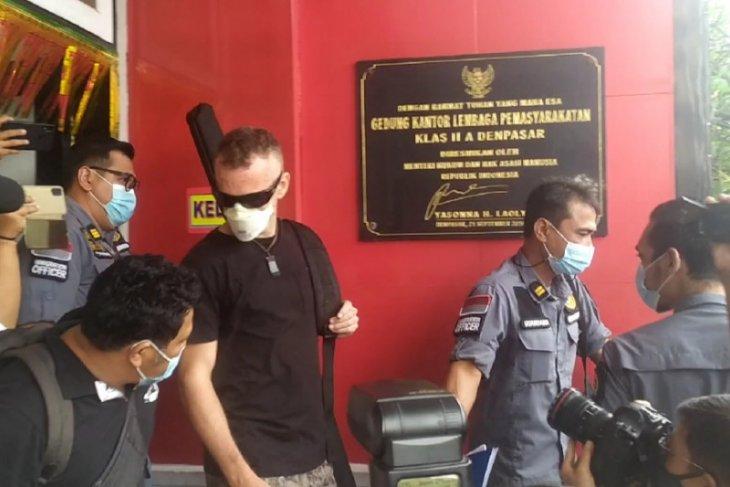 Napi Inggris yang bunuh polisi Bali bebas dari LP Kerobokan