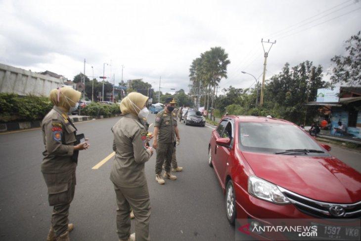 Bupati Bogor tekankan PPKM ketat di Jalur Puncak saat libur panjang Imlek