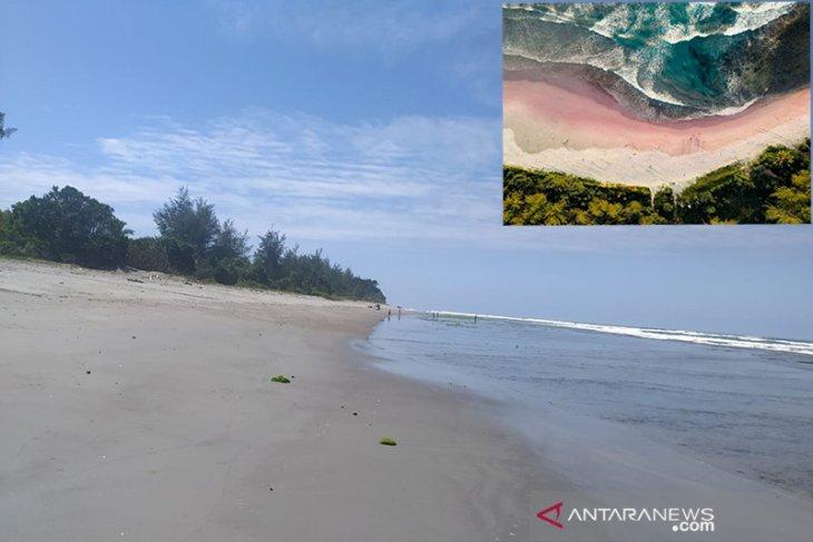 Foto pantai pasir pink di Teluk Sepang Bengkulu, ternyata editan