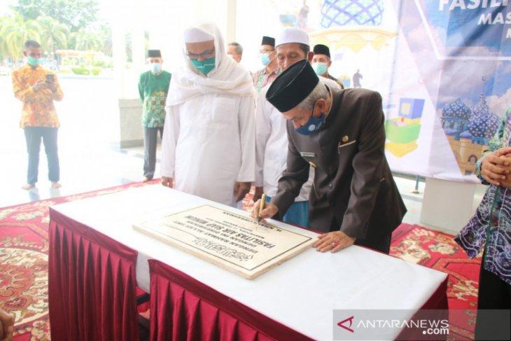 Bupati resmikan fasilitas air siap minum di Masjid Agung Al Karomah