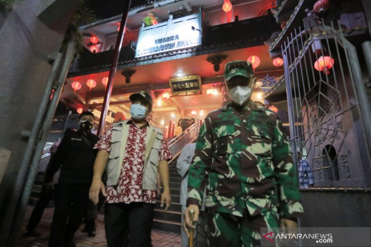 Wali Kota Arief  pastikan ibadah di vihara terapkan protokol kesehatan