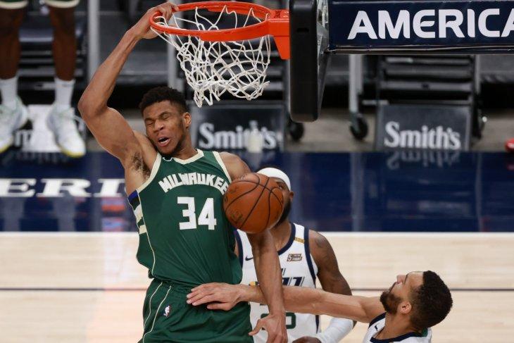 Jazz kembali kalahkan Bucks 129-115