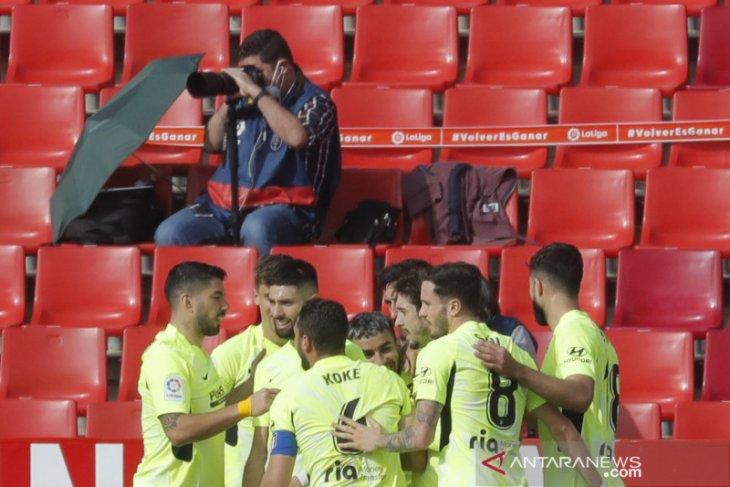 Liga Spanyol: Atletico kukuhkan posisi puncak seusai menang di Granada