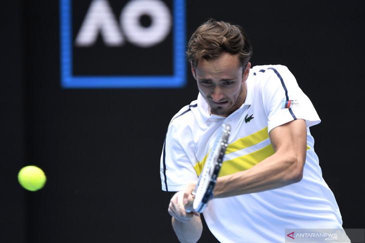 Australian Open: Medvedev cetak rekor 4-0 atas Rublev untuk tembus semifinal