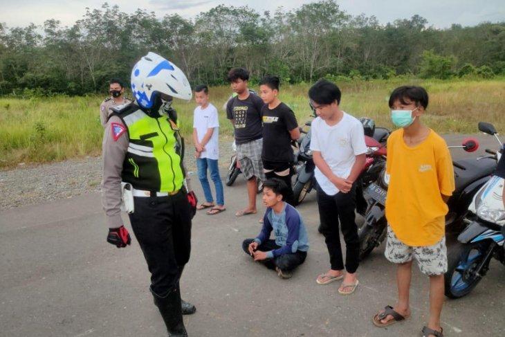 Satlantas Polres Balangan amankan puluhan pengendara motor di bawah umur