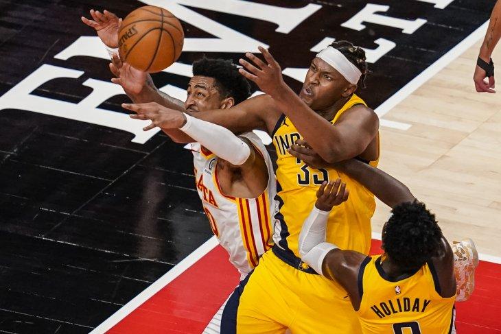 Aaron Holiday memimpin Pacers  hempaskan Hawks