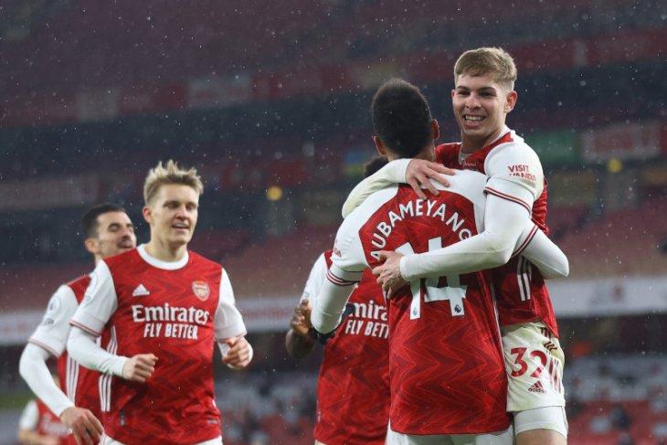 Hattrick Aubameyang antar Arsenal kalahkan Leeds United 4-2