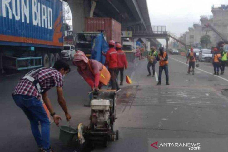 Jasa Marga kembali lakukan perbaikan ruas Tol Jakarta-Cikampek