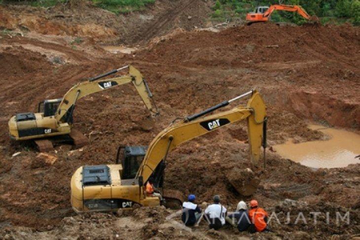 Dua warga Ngetos korban longsor ditemukan meninggal