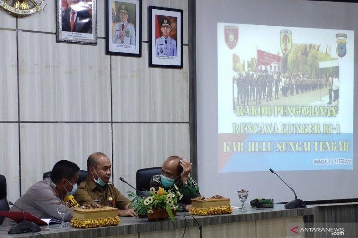 HST discuss Jokowi's visit on February 18