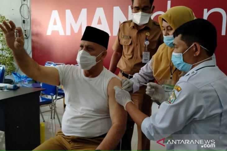 Bupati Shabela akan disuntik vaksin kedua setelah 28 hari. Ini penjelasannya