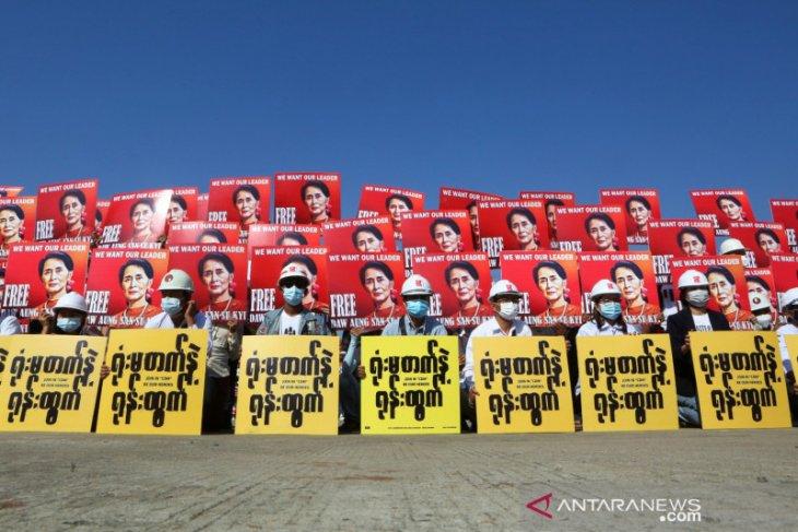 Menlu: Indonesia akan berkontribusi dalam penyelesaian isu Myanmar